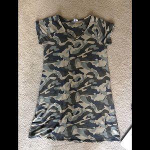 Dresses & Skirts - Tee Shirt Dress